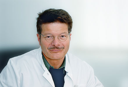 Herr Dr. med. Bernd Gömpel
