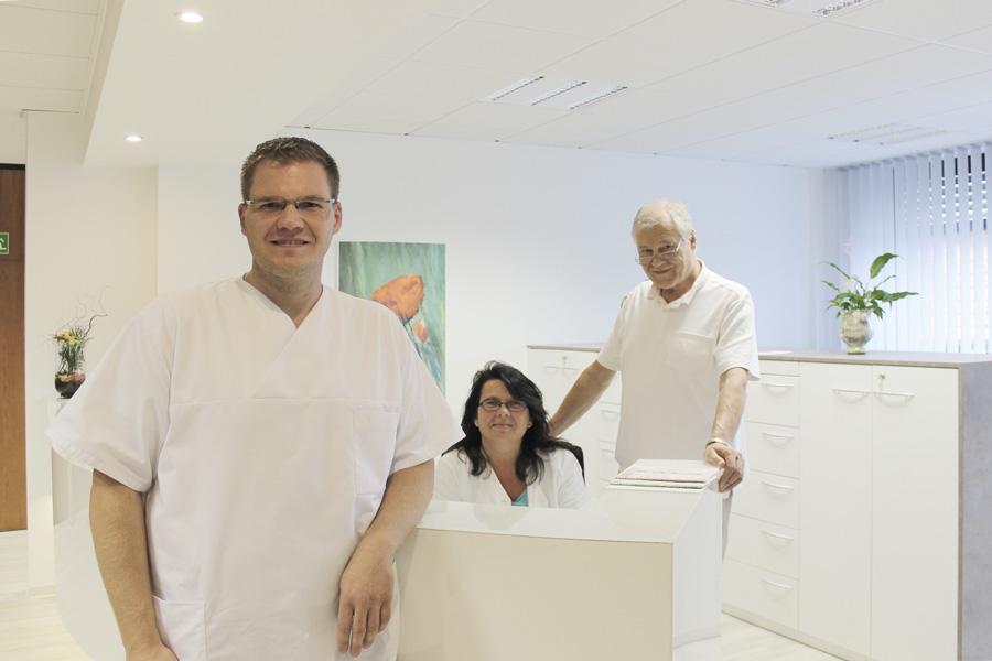 Herr Michael Weitz und Dr. med. Helmut Weitz - Referenzen Praxiseinrichtung